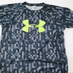 Under Armour  Heat Gear Loose Fitted Shirt